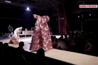 Cea mai nouă piesă a regizorului Silviu Purcărete, jucată la Festivalul de Teatru de la Sibiu