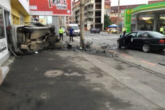 Accident grav în Sibiu, după ce o maşină cu volan pe dreapta a intrat pe contrasens