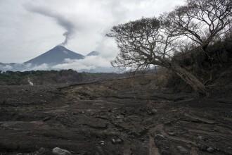 3 vulcani ar putea erupe simultan în Guatemala, distrugând mare parte din ţară