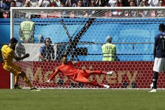 Franţa - Australia 2 - 1. Griezmann a înscris după un penalty acordat cu VAR