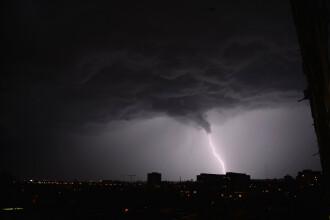 Capitala, sub Cod galben de ploi şi vânt timp de o oră