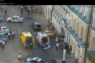 Un taxi a intrat într-un grup de fani, în Moscova. Șapte persoane rănite