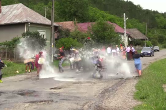 Localnicii dintr-un sat din Cluj au invocat ploaia cu ajutorul Paparudelor