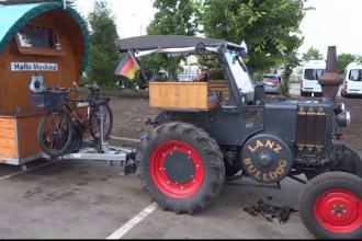 A parcurs 1.600 de km cu tractorul, în 2 luni, pentru a ajunge la Cupa Mondială