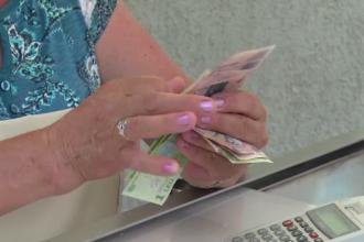 """Românii, pe ultimele locuri în Europa privind plata cu cardul: """"Banii din cont nu îi vezi"""""""
