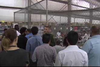 """Copiii imigranților mexicani, ținuți în cuști. Trump: """"Statele Unite nu vor fi un centru de primire a refugiaților"""""""