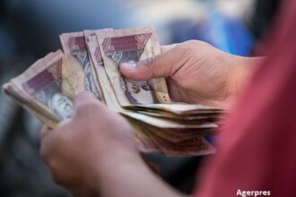 Țara în care salariul minim tocmai a crescut cu 150%. Suma abia acoperă 3 kg de carne