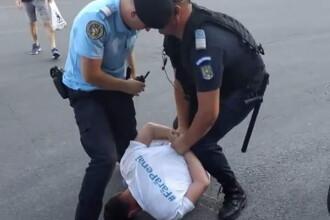 """Deputatul USR Cristian Ghinea: """"Priviți poza asta. L-au umilit jandarmii, pentru că pot"""""""