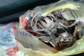 Bijuterii de argint, confiscate de polițiștii de frontieră, în Iași. Unde erau ascunse