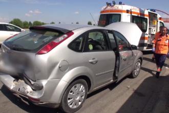 Patru oameni la spital și trei mașini avariate, din cauza neatenției unui șofer
