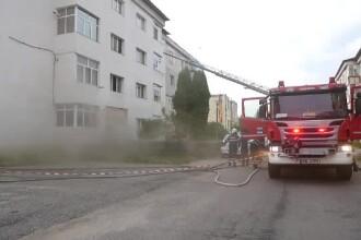 Panică într-un bloc din Curtea de Argeș, din cauza unui incendiu izbucnit de la un scurtcircuit