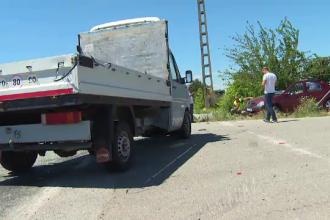 Două mașini s-au izbit frontal în Gorj. Bilanțul episodului înfiorător petrecut pe un drum cu prioritate