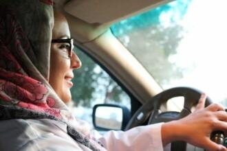 O femeie saudită a povestit cum a fost prima zi la volan în țara sa. Cum au privit-o bărbații