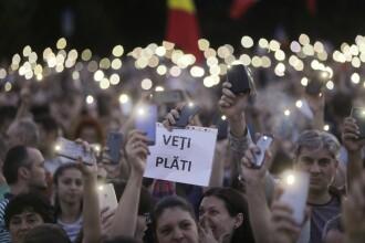 """Mii de persoane au protestat în București. """"Nu vreau să trăiesc în comunism"""""""