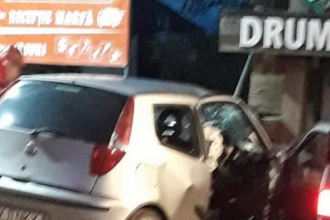 Șofer din Suceava mort după ce a intrat cu mașina într-un indicator. Mesajul afișat pe acesta