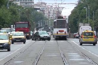 Metrou ușor în Capitală. Gardurile îi nemulțumesc atât pe pietoni, cât și pe șoferi