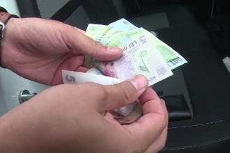 """Metoda prin care un bătrân a fost lăsat fără niciun ban in portofel: """"Să îi dai tu, cu mâna ta?"""""""