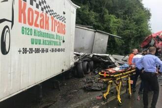 Accident grav în Arad. Două TIR-uri s-au ciocnit pe DN7