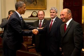 Gabriel Oprea a modificat o poză în Photoshop, pentru a părea că dă mâna cu Obama
