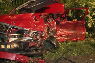 Un bărbat de 64 de ani a murit, la Arad. Autoturismul său a fost lovit de o altă mașină