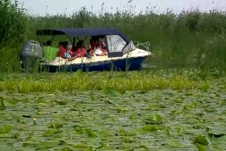 Turiștii de pe litoral, plimbați de hotelieri prin Delta Dunării și la cetățile din Dobrogea