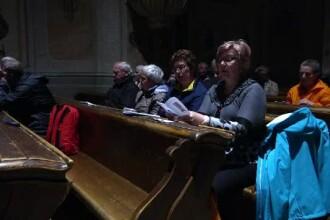 Noapte de rugăciune în Șumuleu Ciuc, în așteptarea Papei. Unii pelerini au dormit în mașini