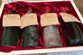 Cadoul primit de la copiii români care l-a uimit pe Papa Francisc. În Moldova va primi vin