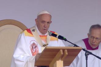 Papa Francisc a citat din Eminescu, la Iași:
