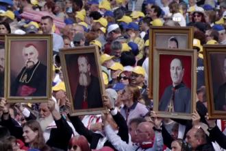 Când vor fi sărbătoriți cei 7 episcopi români martiri beatificați de Papa Francisc