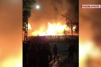 O familie din Prahova s-a trezit în mijlocul flăcărilor. De la ce a izbucnit incendiul
