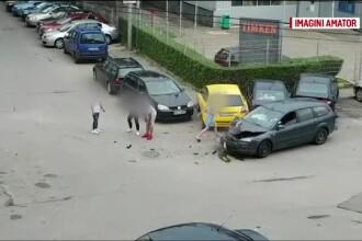 Trei minori au făcut accident cu o mașină furată, căreia i-au schimbat numerele
