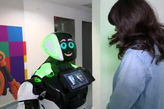 Primul robot care va lucra într-o clădire din București. Ce știe E-5CU să facă