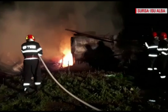 Incendiu uriaş în Alba Iulia. Focul ar fi fost pus intenţionat