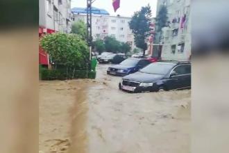 Ploile care nu mai contenesc fac noi ravagii. 154 de copii, aflaţi la grădiniţă în Bascov, evacuaţi