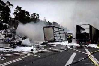 Un român neatent a provocat dezastru pe o șosea din Germania. Pagube de câteva sute de mii de €