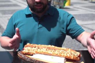 Turiștii atrași cu cârnaţi, caș și jumări la un festival streetfood din Sibiu