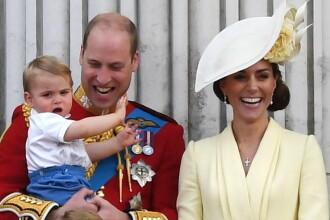 Prințul Louis la primul său eveniment cu familia regală. Cum a făcut cu mâna de la balcon