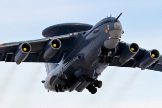 Motivul pentru care Rusia trimite avioane A-50 și bombardiere în Marea Neagră