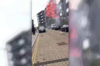 Incendiu într-un bloc din Londra. Două persoane au avut nevoie de îngrijiri medicale