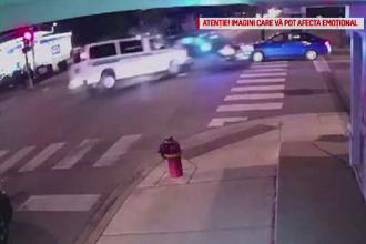 Impactul dintre 2 mașini de poliție, surprins de camerele de supravegere