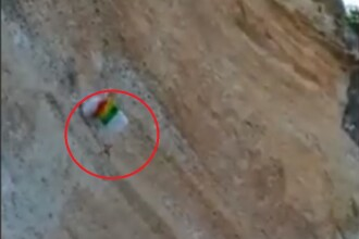 Momentul în care un parașutist se izbește de munte după un salt periculos. VIDEO