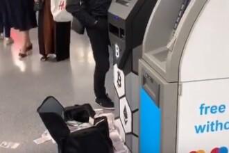 """Momentul în care un bancomat eliberează sute de bancnote. """"E o geantă mare lângă"""". VIDEO"""