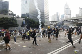 Poliția din Hong Kong a tras cu gloanțe de cauciuc în protestatari. VIDEO