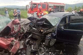 Impact nimicitor: Doi morți și un rănit grav după un accident, în Hunedoara