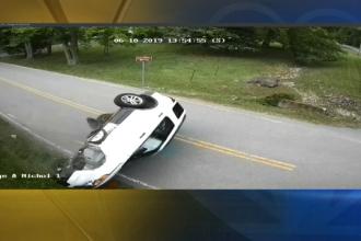Un şofer a fost la un pas de moarte din cauza unui strănut. Ce s-a întâmplat