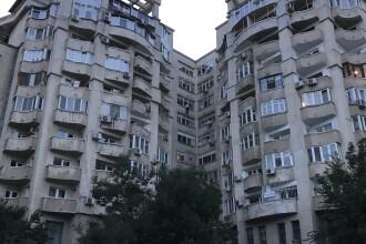 Un bărbat din București a amenințat că se aruncă de la etaj, dacă Dragnea nu e eliberat