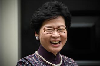 """Noi proteste ample în Hong Kong. Șefa executivului le-a cerut """"scuze"""" cetățenilor"""