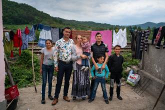 Povestea cuplului de romi din România, al cărui bebeluș a fost luat de autoritățile din SUA