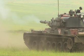 """Exercițiu NATO cu arme reale și tancuri, la Galați: """"Gata pentru pornirea la atac"""
