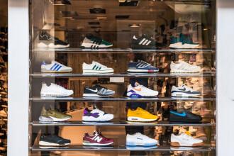 Tribunalul UE: Cele trei dungi paralele nu reprezintă o marcă înregistrată a Adidas